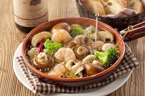 【悲報】ブロッコリーの料理法、茹でて「マヨネーズ」をつけて食べる以外存在しない…