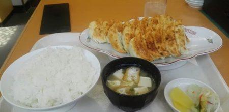 有名浜松餃子の名店の餃子定食だけどいくら出せる?