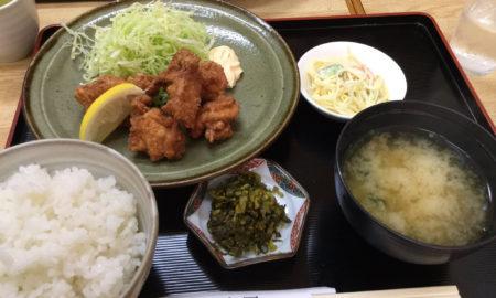 【画像】270円の唐揚げ定食www
