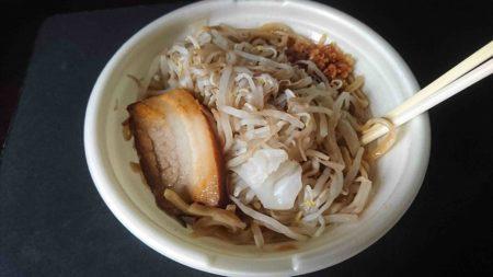 【画像】大蒜豚ラーメン食べるwwwwwwwwwwwwwwwwwww