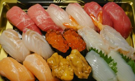 【衝撃】きたぁぁぁぁぁぁぁ!スーパーで1980円のお寿司買ったお!!!