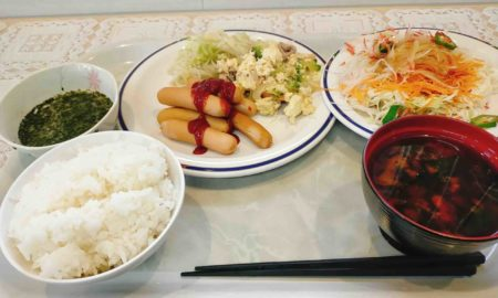 【速報】ワイ出張民、秋田のビジホで優雅な朝食をとる〜2日目
