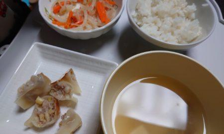 【画像】この餃子定食・・・・・・・・・・・・・・・・・・・・・・・・・・